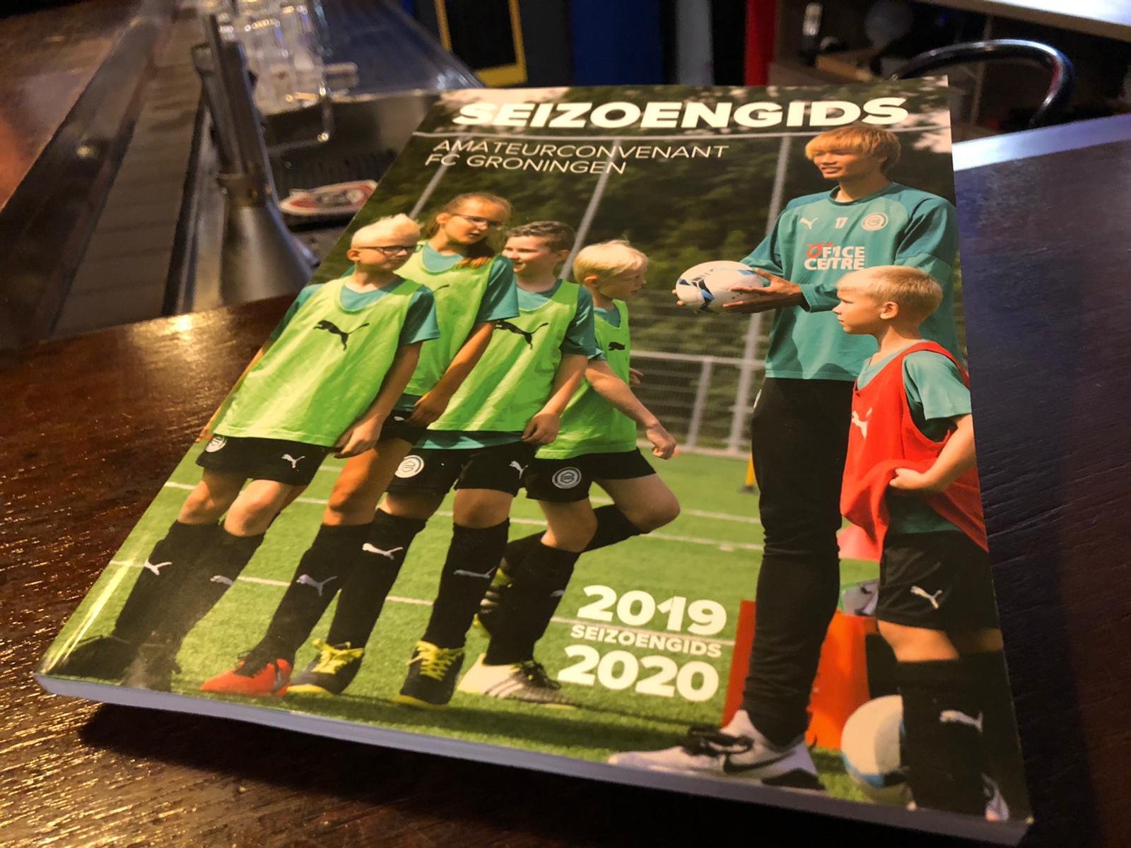Seizoengids van het Amateurconvenant FC Groningen heeft een mooi artikel over s.v. Blauw-Geel